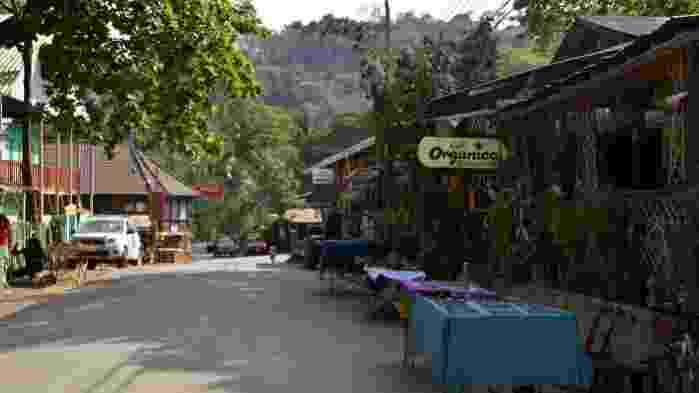 Downtown-Montezuma-Costa-Rica